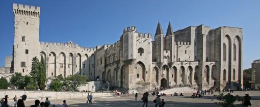 Avignon,_Palais_des_Papes_by_JM_Rosier