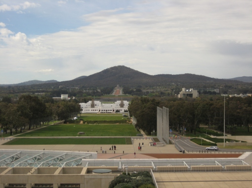 Now, I was probably somewhat unfair on Canberra. They are really quite good at monumental official architecture, even though the German in me has to stifle some internal trauma stirring inside to properly appreciate it. (And this photograph of the War Memorial does not capture the whole thing at its best.)